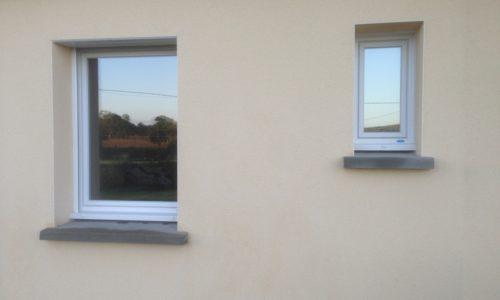 Fenêtres et volets à la Haye du puits dans la Manche