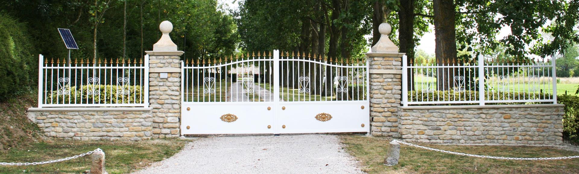 Portail-aluminium-Vierville-Manche