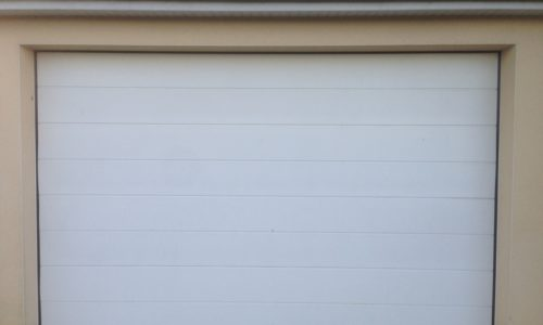 Porte de garage sectionnelle à Coutances dans la Manche