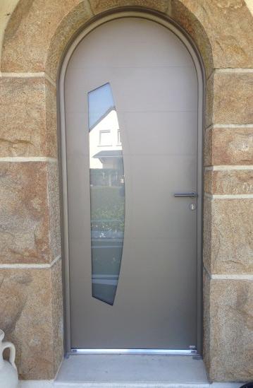 Porte d'entrée mixte alu/bois sur Saint-lô, Coutances, Caen, Vire, Cherbourg, Granville