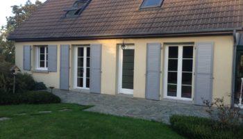 Fenêtres et porte d'entrée à Coutances dans la Manche