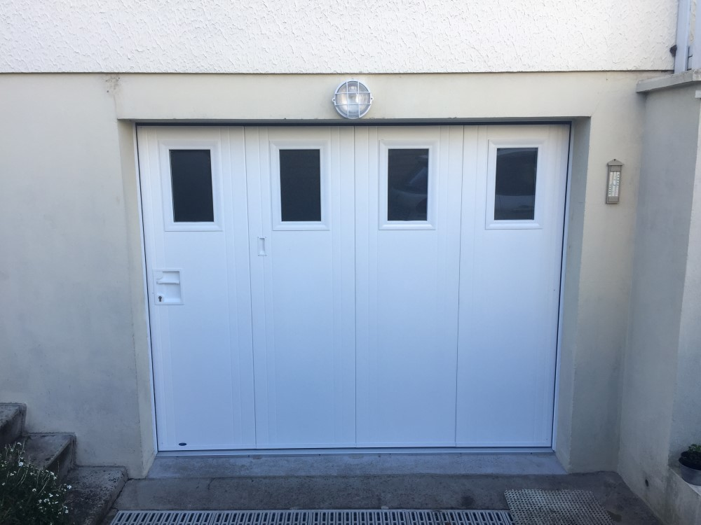 socodime r alisation d 39 une porte de garage lat rale. Black Bedroom Furniture Sets. Home Design Ideas