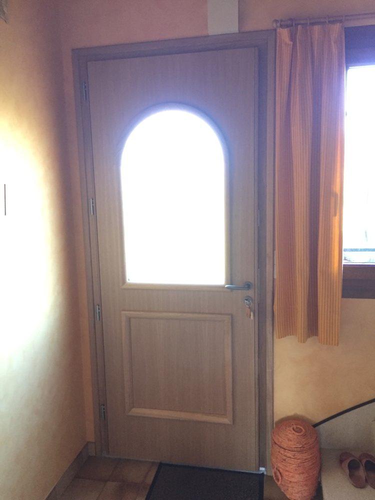 Socodime  Installation DUne Porte DEntre Mixte AluBois Prs De